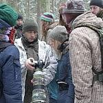 Dovilė Selickaitė. Renatas J. rodo nuotrauką, kurioje įamžinti du vilkai