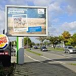 Vilkų konferencija reklamuojama pagrindiniuose miesto stenduose.